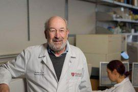 Giáo sư Y Khóa trường Stanford tìm ra cách trị ung thư di căn 4